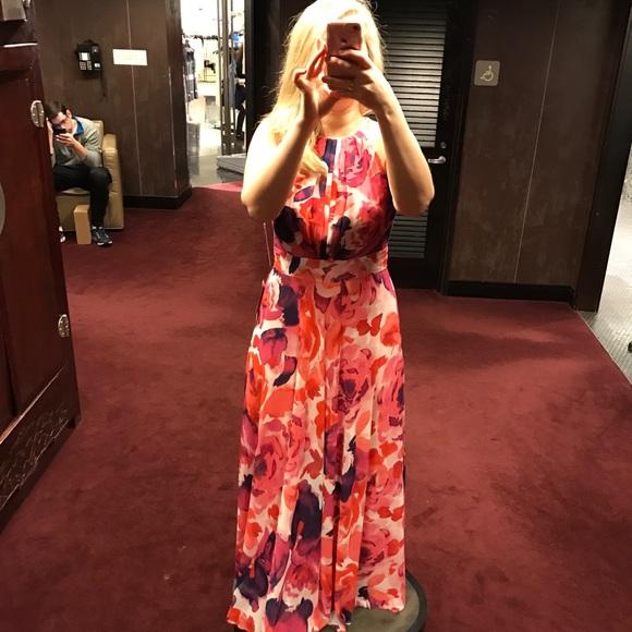 537e357998d44 Eliza J Dresses   Skirts - Eliza J Floral Print Halter Maxi Dress